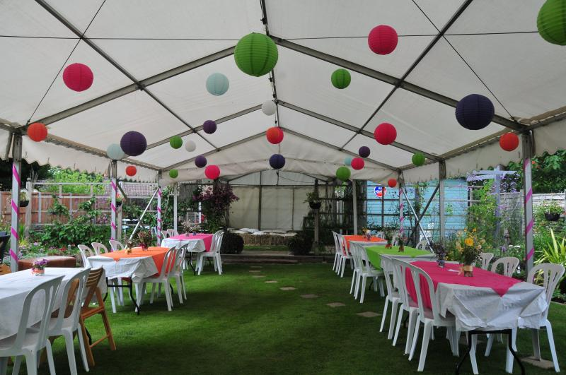 A simple unlined marquee